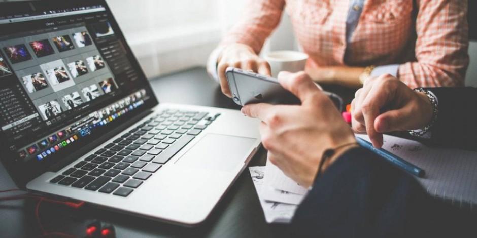 Toplantılarda telefon kullananları engellemenin 8 akıllı yolu