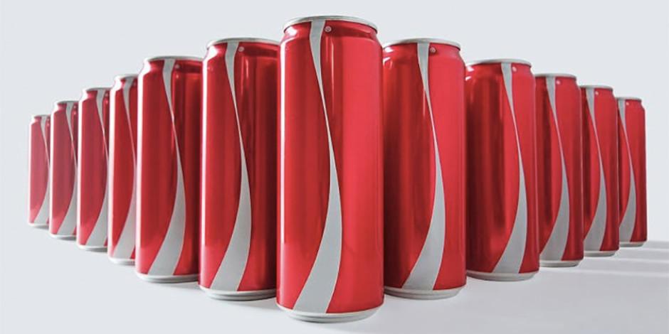 """Coca Cola, logosuz kutuları ile """"Etiketler kutular içindir, insanlar için değil"""" diyerek ön yargıları yıkıyor"""
