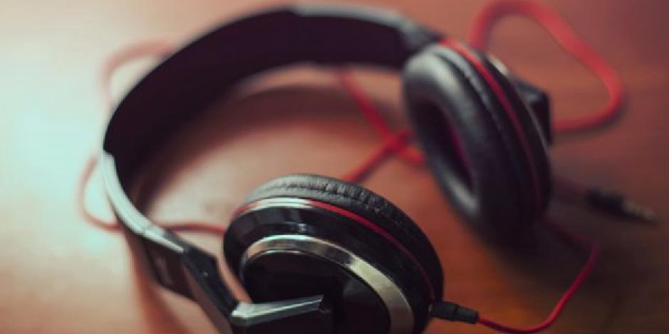 Bayram tatiline giderken yolda dinlemeniz gereken 10 şarkı