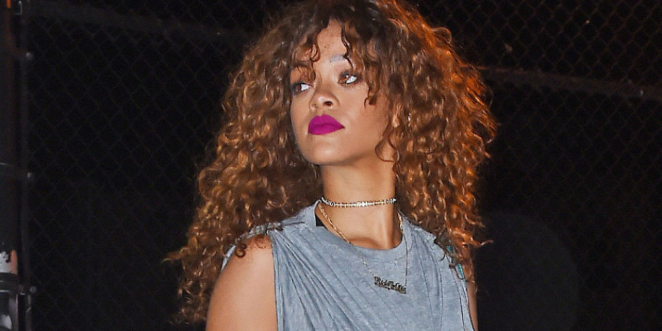 Siri'den yüksek sesli yellenme sesi çalmasını istediğinizde Siri bir Rihanna şarkısı çalıyor.