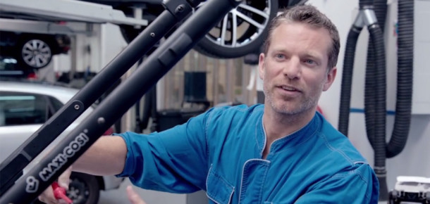 Volkswagen, Facebook yorumundan ilham aldı fütüristik bebek arabasını üretti