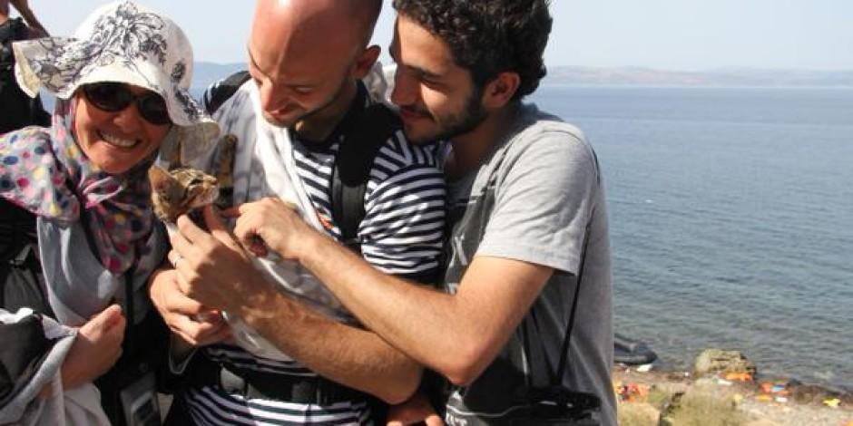 Suriyeli mülteci Yunanistan'a kedisi ile gitti!