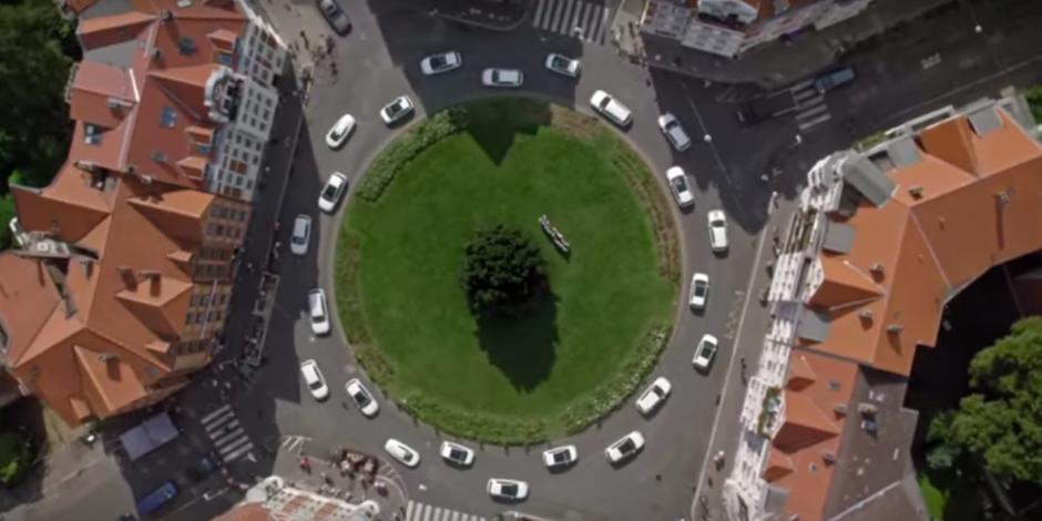 Volkswagen'in elektrikli araçları öne çıkardığı enfes reklamı