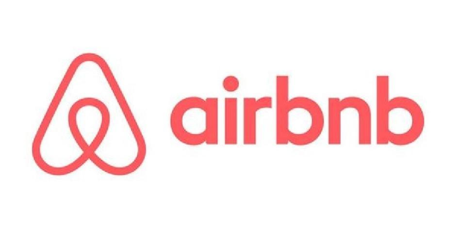 Kaldığı Airbnb evinde gizli kamera bulan kadın dava açtı