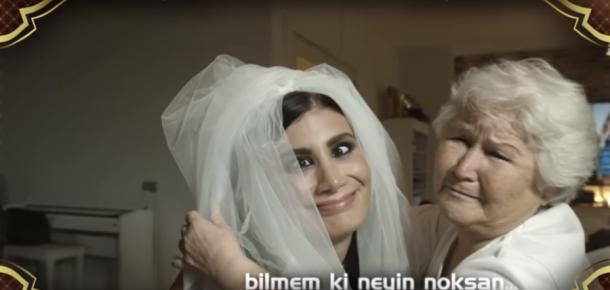 Beyaz'a Anneler Korosu'ndan evlilik çağrısı