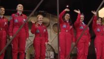 Kadın uzay ekibi, katıldıkları büyük deneye rağmen cinsiyetçi sorularla karşılaştı