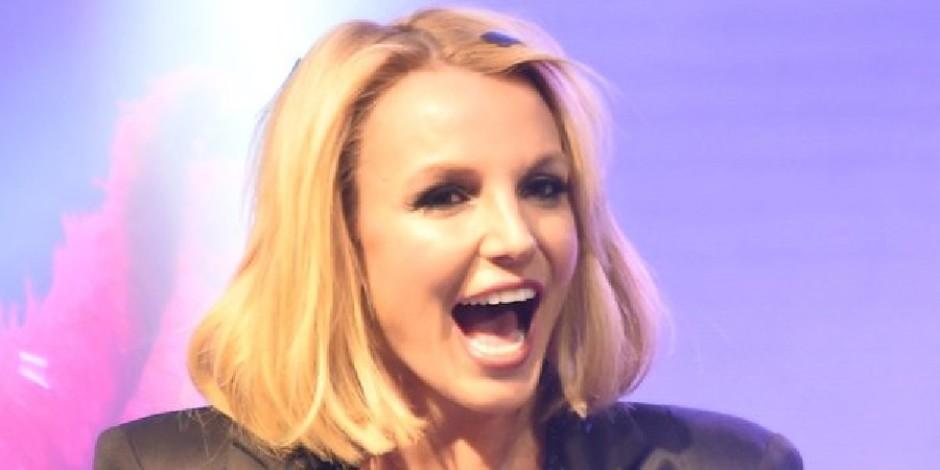 Britney Spears'in Adele'in 'Hello' şarkısında dansı sosyal medyanın gündeminde