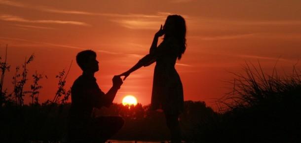 Sosyal medyada çok izlenilen en ilginç evlilik teklifleri