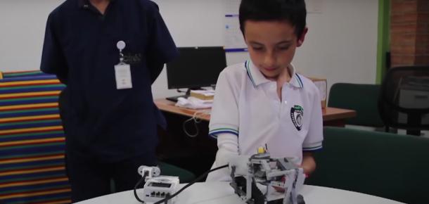 Çocuklar için LEGO uyumlu protez kol ile sosyal medyada #olanbitenler