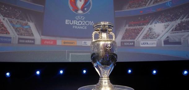 Coca Cola'nın #kolkola reklamı Euro 2016'da gayriresmi milli marş olma yolunda