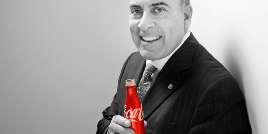 Coca Cola'dan dikkat çeken sosyal sorumluluk açık artırması: Muhtar Kent'le kola içmek