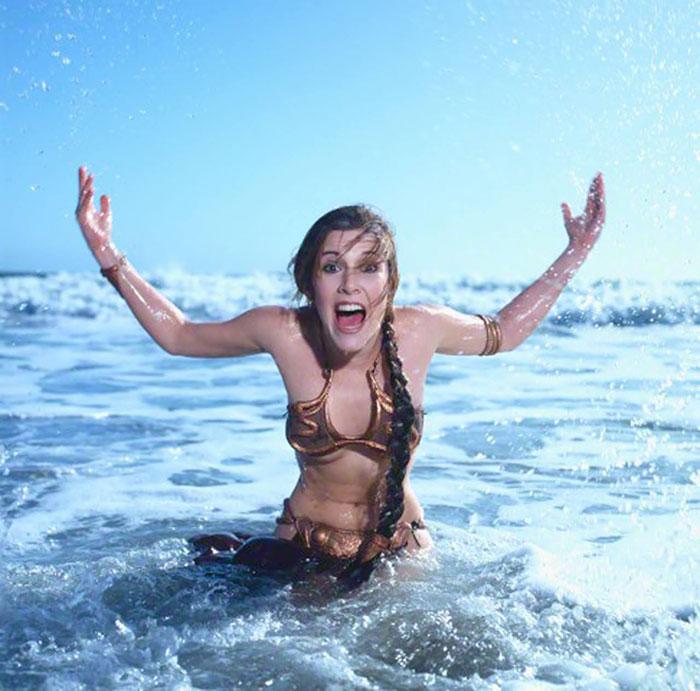 princess-leia-bikini-return-jedi-beach-shoot-1983-carrie-fisher-1