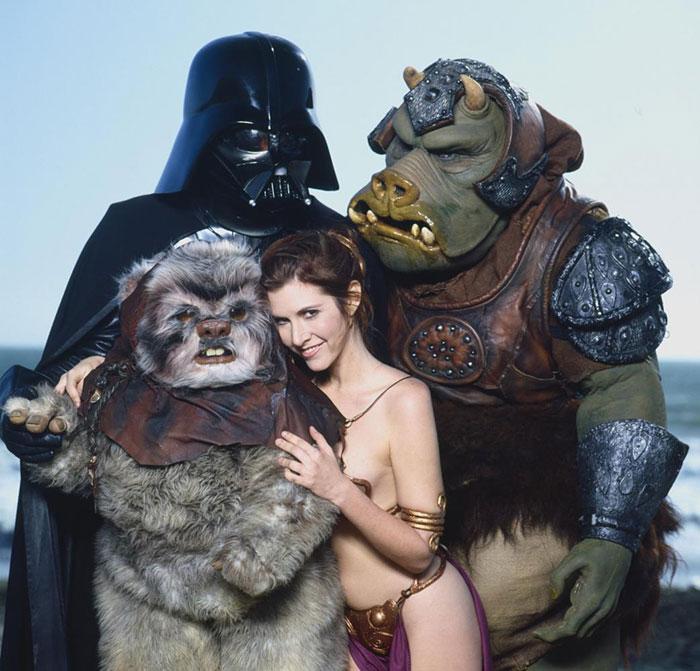 princess-leia-bikini-return-jedi-beach-shoot-1983-carrie-fisher-3