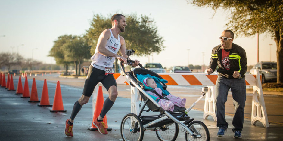 Bebek arabası iterek yarı maraton kazanan babadan samimi açıklama