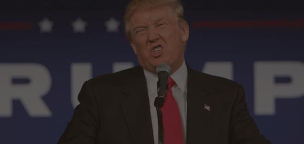 Amerika'da en yeni selfie akımı Trump'a orta parmak!
