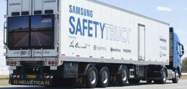 Samsung tırlarının arkasına güvenlik için ekran koymaya başlayacak