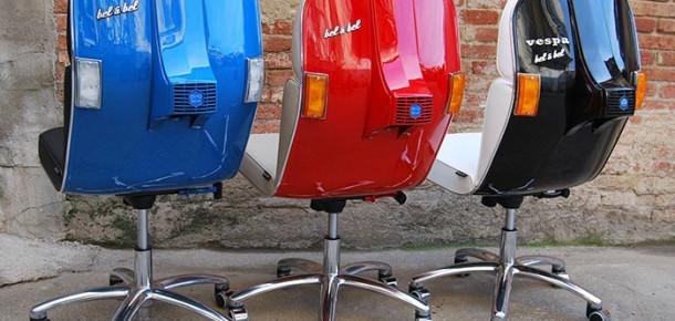 Eski Vespa'lar modern ofis sandalyelerine dönüşüyor
