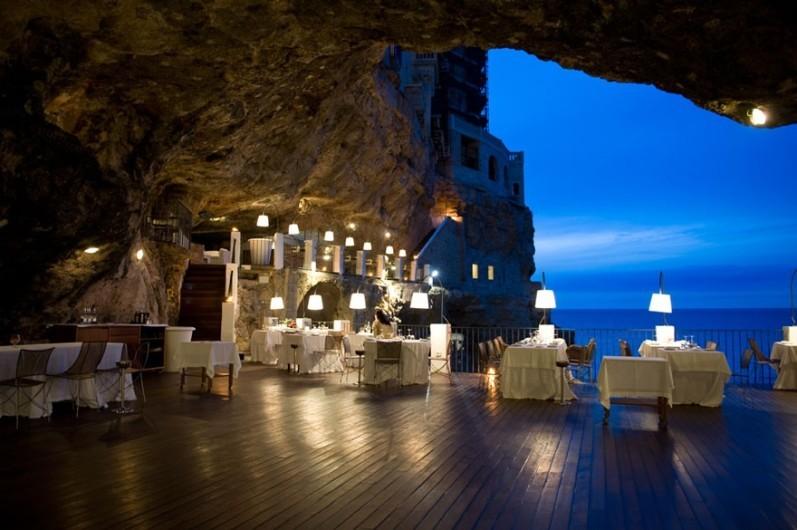 618655-880-1452681748-italian-cave-restaurant-grotta-palazzese-polignano-mare-21