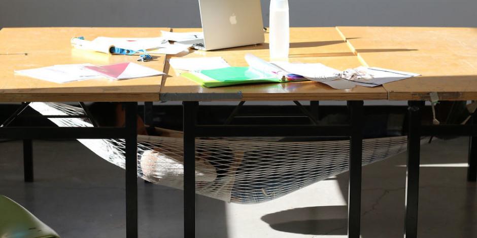 İş yerinde kestirmek için yurtdışından harika bir tasarım örneği