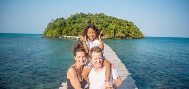 Koca bir ada satın alarak, yerel halkı kurtaran korkusuz kadın