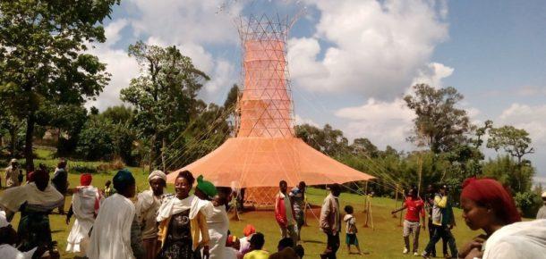 Havadan su üreten tasarım ödüllü su kulesi