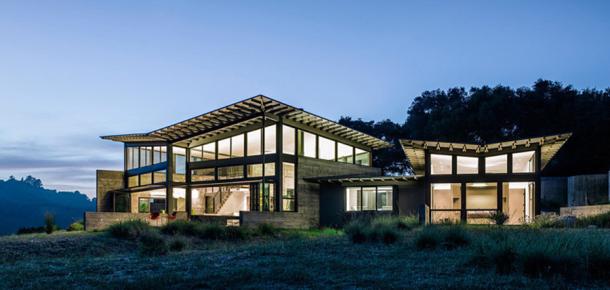 Doğa ile iç içe kelebekten ilham alınarak tasarlanan muhteşem ev