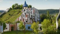 Bu mimari örnekler sizi çatı ve teraslarda bahçe olabileceğine ikna edecek