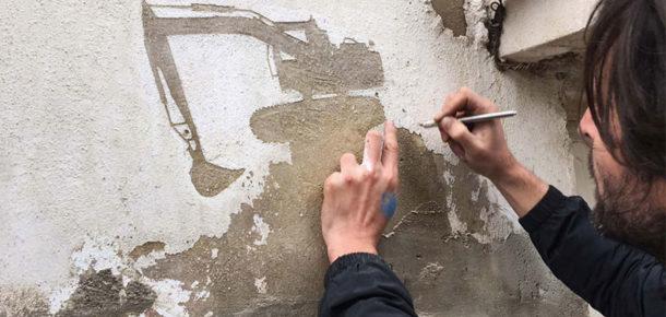 Duvarlardaki eski soyulmuş boyalarla Filistinli mültecilerin hikayesi