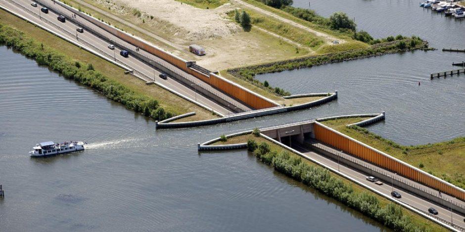 Hollandalılardan doğayı korumak için bir başka enteresan proje: Su köprüsü