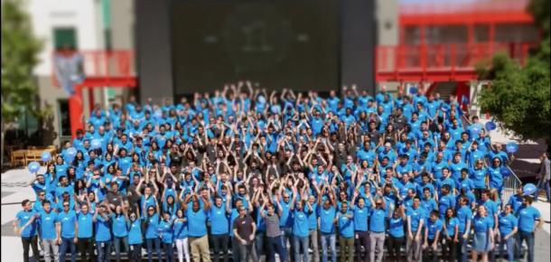 Facebook Messenger aylık 1 milyar kullanıcıya ulaştı, Zuckerberg Meksika dalgası ile kutladı
