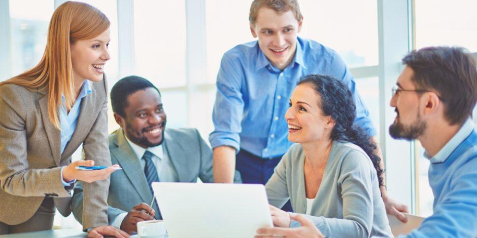 Fikirleriyle yardımcı olan personele nasıl odaklanılmalı?