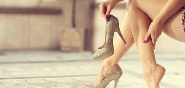 Dar olan ayakkabıları esnetmek istiyorsanız, bu yöntemleri deneyebilirsiniz