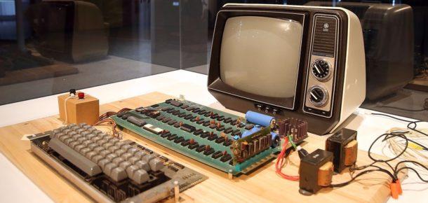 Steve Jobs tarafından üretilen Apple-1 rekor fiyata alıcı buldu