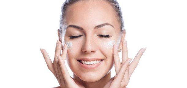 Kusursuz bir cilde sahip kadınların 7 sırrı